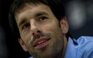 """Van Nistelrooy wybiera czterech z Barçy do """"jedenastki"""" 2012"""