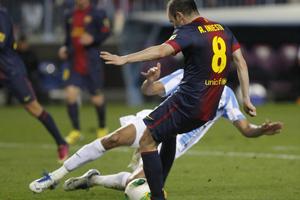 Iniesta: Chcę pomagać drużynie, to daje mi radość