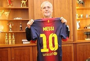Gerd Müller otrzymał koszulkę Leo Messiego