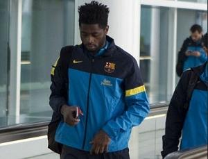 Alex Song nie wrócił z drużyną do Barcelony