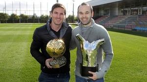 Leo Messi i Andrés Iniesta, twarzą w twarz