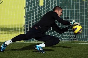 Valdés nie dla Chelsea, City oraz Anży