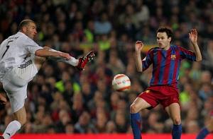 Osiągnięcia Iniesty lepsze od Zidane