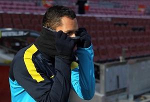 Adriano nie zagra z Sevillą