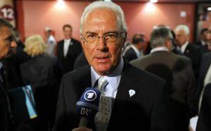 Beckenbauer: Bayern Guardioli nie może grać tak jak Barcelona