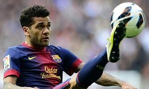 Alves pomaga Barcelonie odnaleźć jej rytm