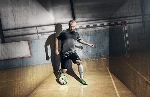 Andrés Iniesta strzela gole na hali