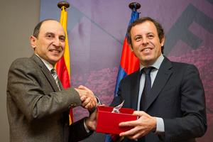 Zaprezentowano porozumienie z Qatar Airways