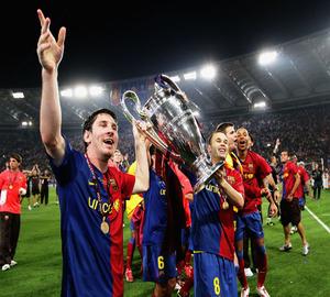 Radość Messiego i Iniesty ze zdobycia Pucharu Europy
