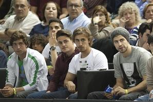 Piqué: Trzymam kciuki za nas i za koszykarzy