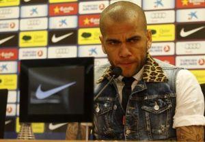 Alves oskarża Mou o wywieranie presji na Starku