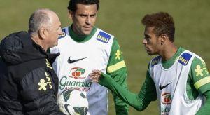 Scolari: Dobrze dla Neymara jeśli przeniesie się do Europy