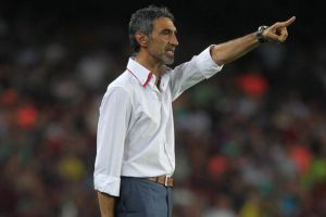 Álvarez: Adriano może grać w podstawowym składzie