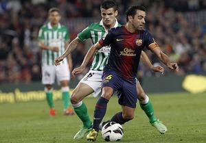 Xavi zrównuje się z Paco Gento
