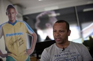 Ojciec Neymara: Porozmawiamy po finale