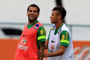 Alves: Będzie trudno wybrać lepszego pomiędzy Messim a Neymarem