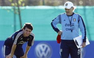 Messi rozpocznie na ławce rezerwowych