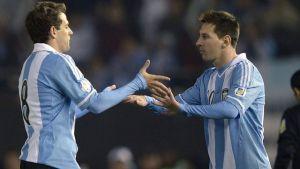 Powrót Messiego na remis, zwycięstwo Alexisa