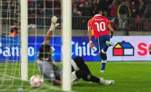 Chile pokonuje Boliwię, bramka Alexisa