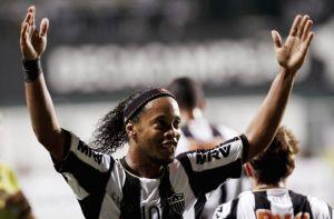 Ronaldinho wygrywa Copa Libertadores