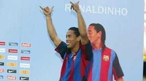 Dziesięć lat od przyjścia Ronaldinho do Barçy