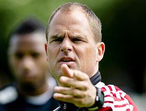 Bojan zagra z prawej strony ataku Ajaxu