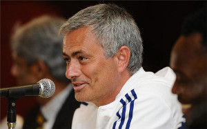 Mourinho: Oni tracą czas na Luiza
