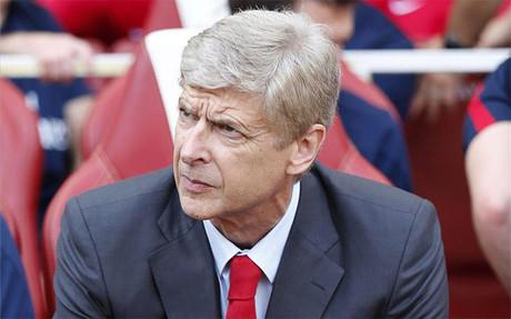 Wenger: Cesc chce zostać jeszcze sezon w Barcelonie