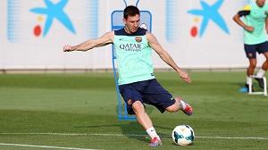 Messi, Alves i Valdés trenowali z grupą