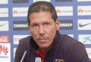 Simeone: Na chwilę obecną faworytem jest Barcelona
