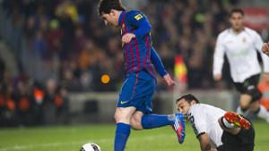 Leo Messi w meczu z Valencią w sezonie 2011/2012