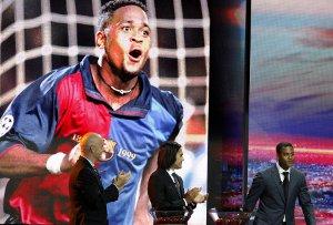 Kluivert: Ajax powinien być rażąco brutalny w meczu z Barçą