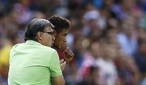 Liga Mistrzów: Chrzest Martino i Neymara