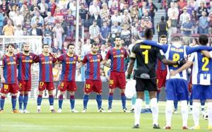 Minuta ciszy na Camp Nou w derbach Barcelony