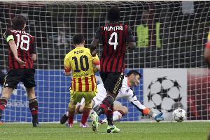 Messi zdobywa kolejną bramkę przeciwko Milanowi