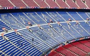 """""""Qatar Airways"""" na północnej trybunie Camp Nou"""