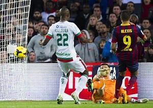 Alexis zrównał się z Messim