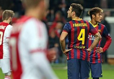 Pierwsza przegrana: Ajax Amsterdam – FC Barcelona (2-1)