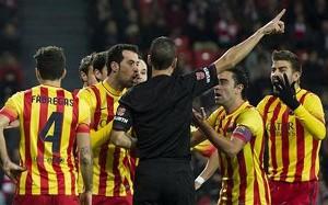 Adriano będzie pauzował w meczu z Villarrealem