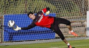 Barça negocjuje transfer Courtoisa