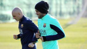 Dani Alves już trenuje na boisku