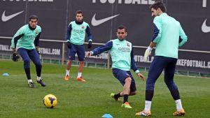 Sesja treningowa bez Neymara, ale z Alvesem