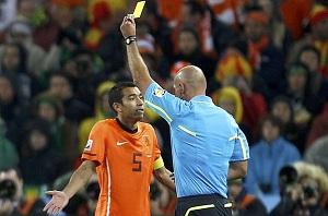 Van Bronckhorst: Hiszpania i Holandia są powyżej Chile