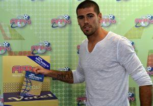 Víctor Valdés finalistą nagrody FIFA/FIFPro World XI 2013