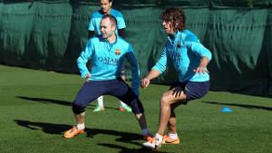 Iniesta i Puyol trenowali z grupą