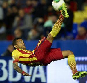 Dani Alves: Manchester City nigdy nie będzie Barçą