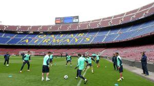 Sesja treningowa na Camp Nou