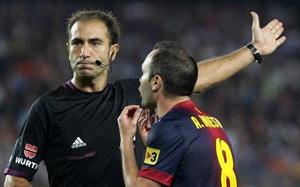 Carlos Delgado Ferreiro będzie sędziował mecz Granada-Barça