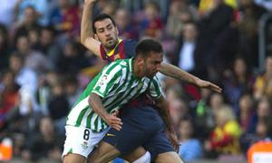 Genialny Busquets w nieregularnej grze Barcelony