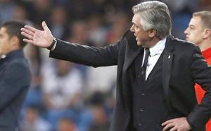 Ancelotti: Barcelona może jeszcze wygrać ligę